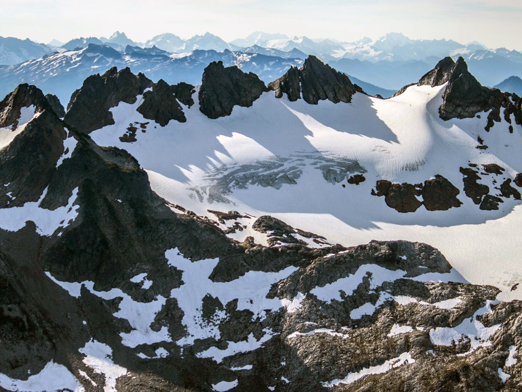 Range of Glaciers Scenic Flight over the North Cascades: Snowking Aviation